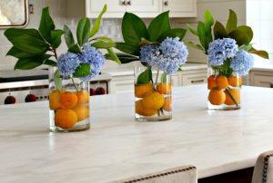 βάζα διακόσμησης καλοκαιρινής με φρούτα ή λουλούδια