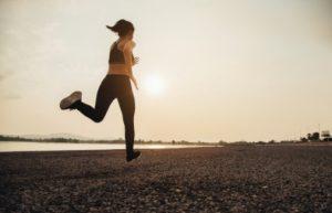 τζόκινγκ γυναικα χάνει θερμίδες