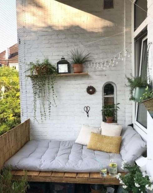 καναπές βεράντα ράφι