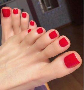 κόκκινα νύχια