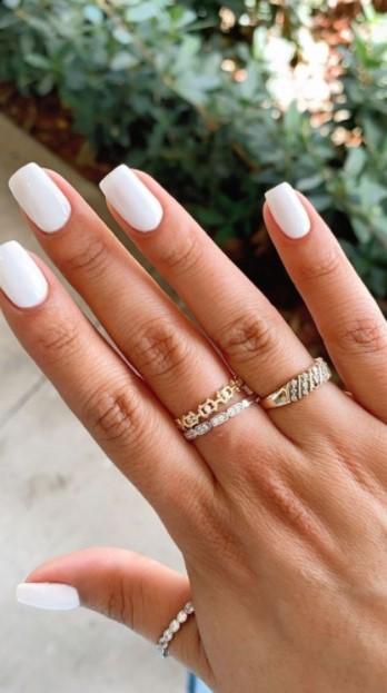 νύχια λευκά τετράγωνα