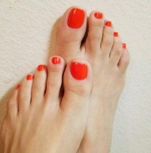 πορτοκαλί νύχια