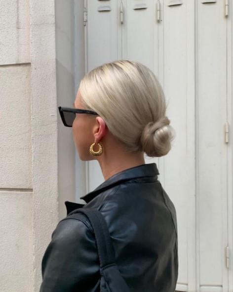 σινιόν ξανθά μαλλιά καθημερινά χτενίσματα