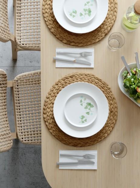 τραπέζι σουπλά πιάτα