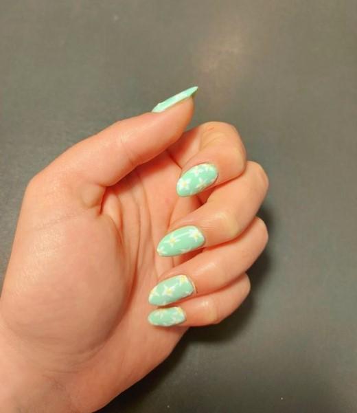 βεραμάν νύχια μαργαρίτες