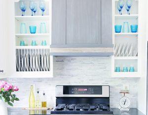 χρωματιστά πιάτα καλοκαιρινή διακόσμηση σπιτιού