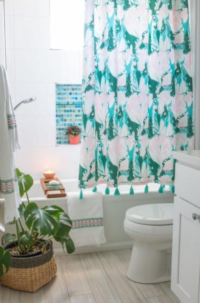 γαλάζια κουρτίνα μπάνιου