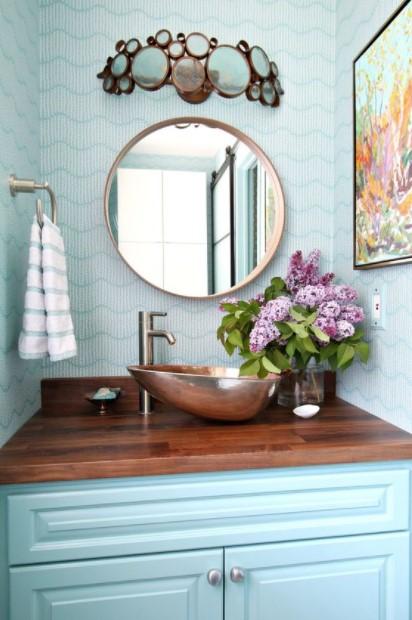 γαλάζιο μπάνιο λουλούδια καλοκαίρι μπάνιο