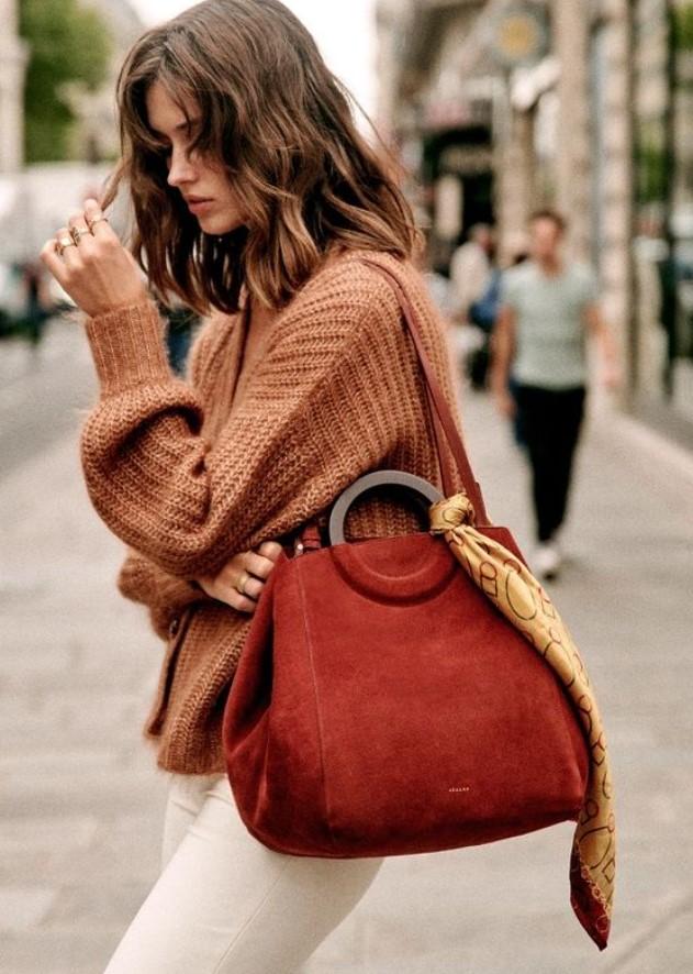 γυναικεία τσάντα με ξύλινο χερούλι