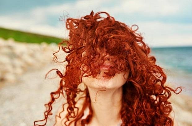 Πως να προστατεύσεις το χρώμα των μαλλιών σου το καλοκαίρι!