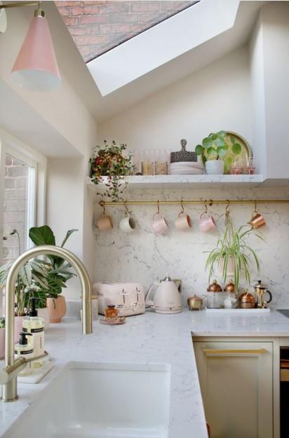κουζίνα ροζ λεπτομέρειες ράγα διακοσμητικά κουζίνα