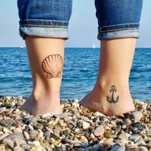 κοχυλι και αγκυρα tatoo ποδι