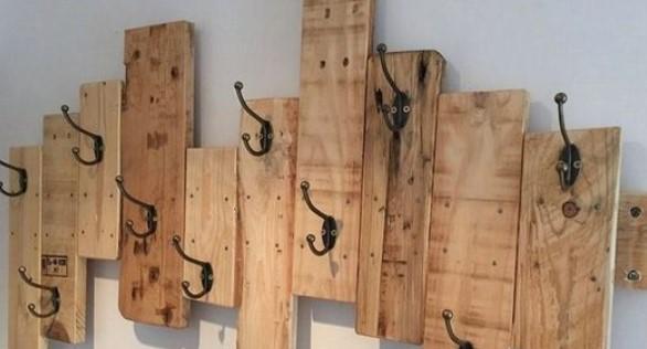 κρεμάστρες για μπουφάν ξύλινες