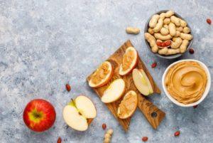 μήλο με φυστικοβούτυρο σνακ χάσεις κιλά