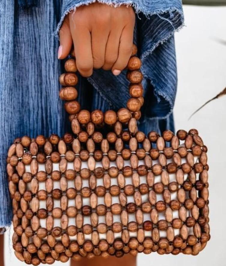 τσάντα χειρός από ξύλινες χάντρες