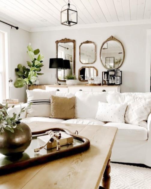 σαλόνι διακόσμηση με σύνθεση από καθρέπτες