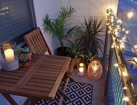 φαναράκια για φωτισμό στο μπαλκόνι