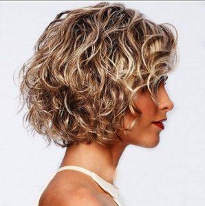 καρέ κούρεμα για σγουρά μαλλιά