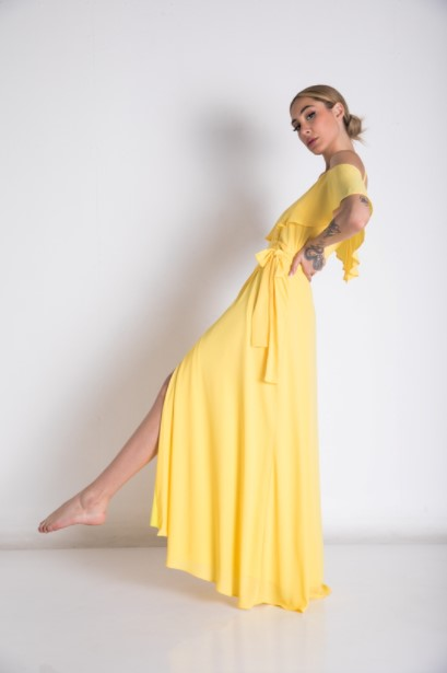 κίτρινο μάξι φόρεμα