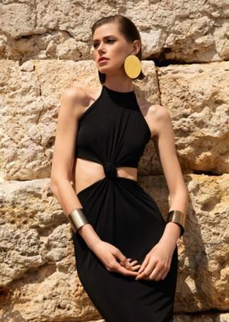 μαύρο φόρεμα κοψίματα
