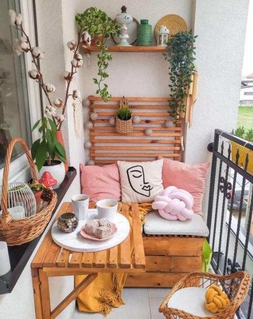 μικρό μπαλκόνι ράφι καναπές