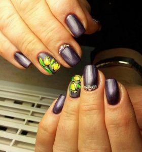 μοβ περλέ floral νύχια