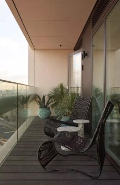 μπαλκόνι ιδιαίτερες καρέκλες μοντέρνο μπαλκόνι