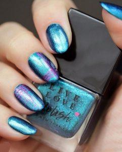 μπλε μεταλλικό χρώμα νυχιών