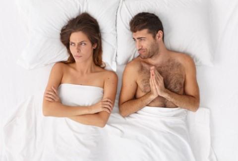 5 Σημάδια για να καταλάβεις ότι ο σύντροφός σου κάτι κρύβει!