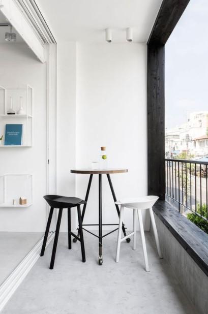 σκαμπό σταντ μακρόστενο μπαλκόνι