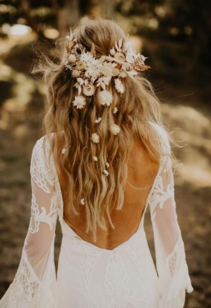σπαστά μαλλιά νύφη νυφικά χτενίσματα 2021