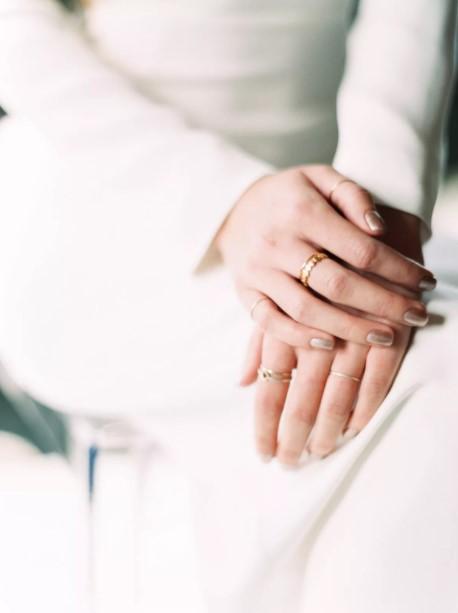 ασημί νύχια νύφη νυφικό μανικιούρ