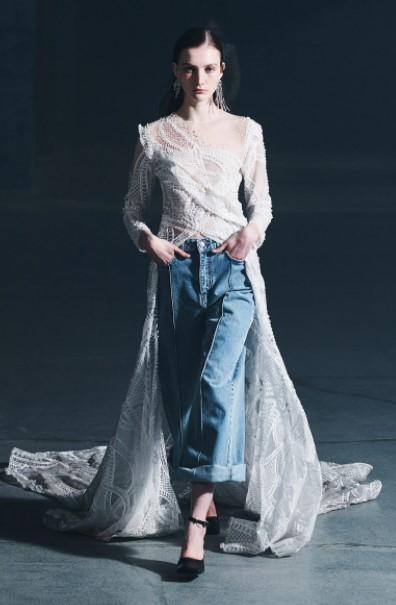 φαρδύ τζιν άσπρο φόρεμα ρούχα χειμώνα 2022
