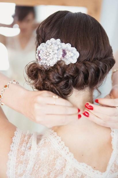 κόκκινα νύχια νύφη