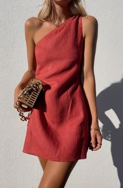 κόκκινο φόρεμα έναν ώμο φορέματα καλεσμένη γάμο