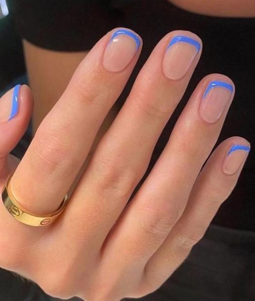 κοντά νύχια μπλε άκρες φθινοπωρινά μανικιούρ κοντά νύχια