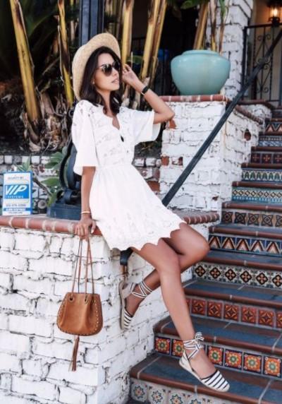 λευκό φόρεμα εσπαντρίγιες ριγέ