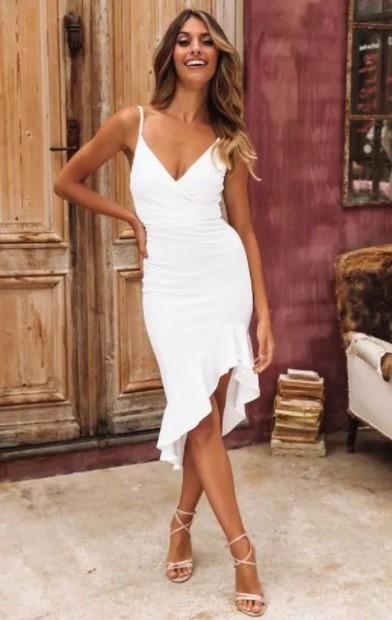 λευκό μίντι φόρεμα πέδιλα