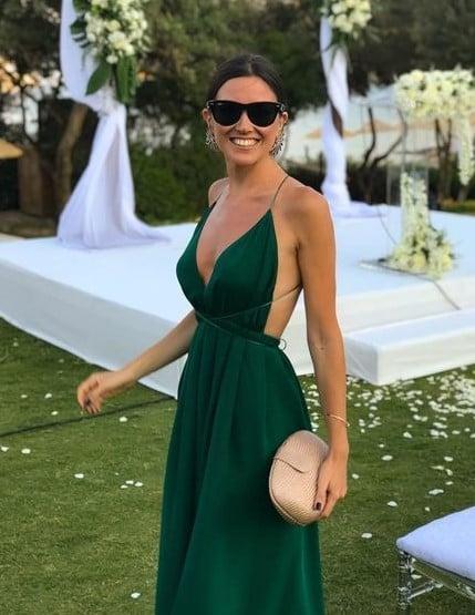 πράσινο φόρεμα εξώπλατο