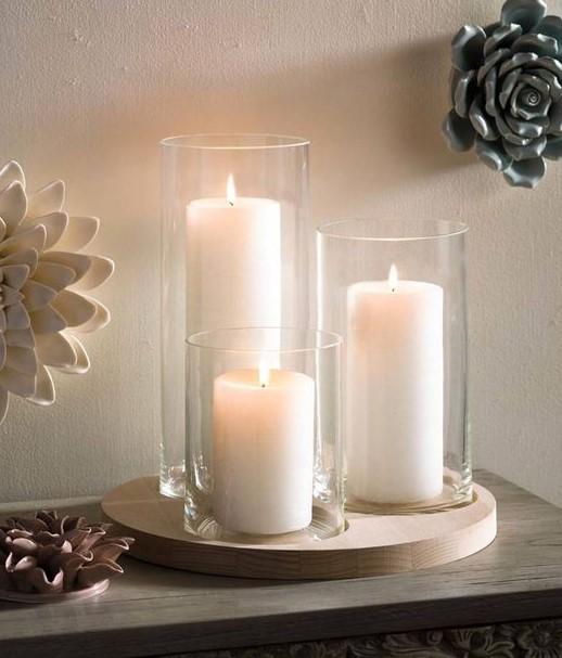 βάζα αναμμένα κεριά
