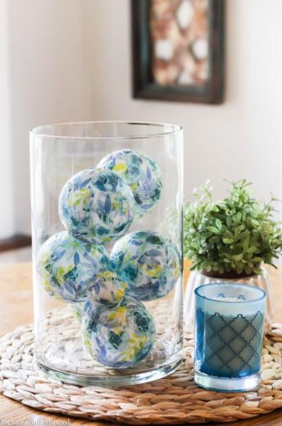 βάζο γαλάζιες μπάλες βάλεις μέσα βάζο