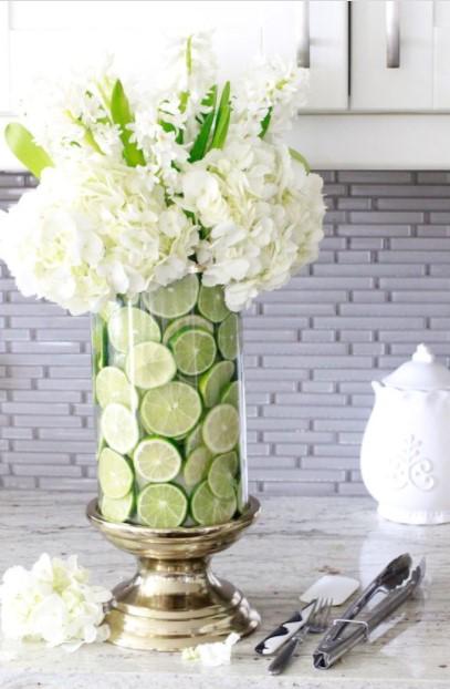 βάζο λεμόνια λουλούδια
