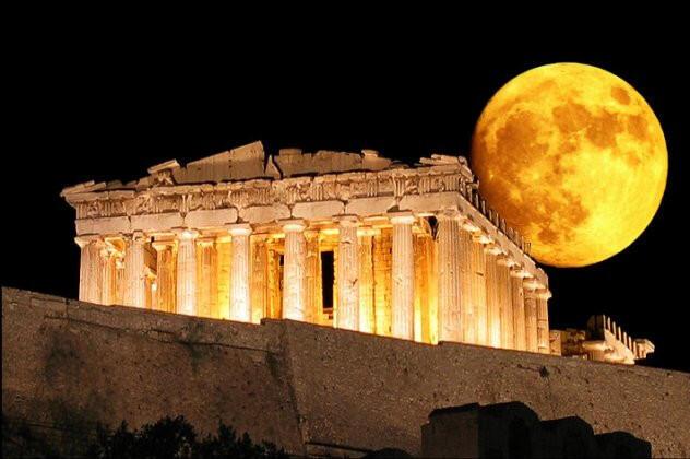 5 Μέρη στην Αθήνα για να απολαύσεις την Πανσέληνο του Αυγούστου!