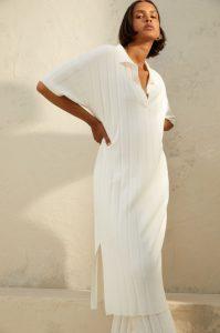 λευκό φόρεμα με γιακά