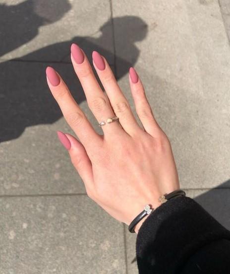 ματ ροζ νύχια νύχια χειμώνα 2022