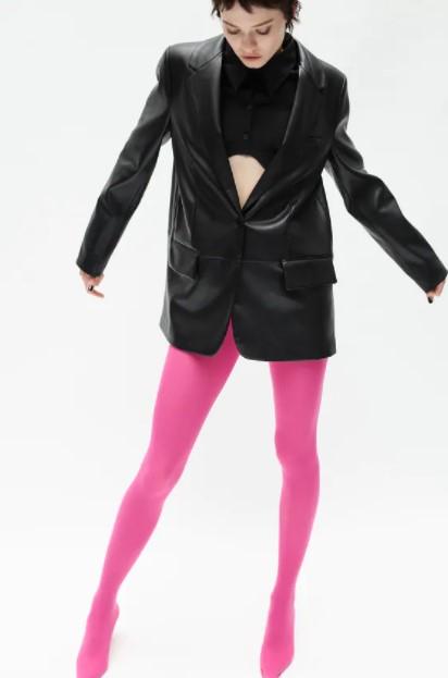μαύρο δερμάτινο blazer ρούχα Zara xειμώνα 2021-2022