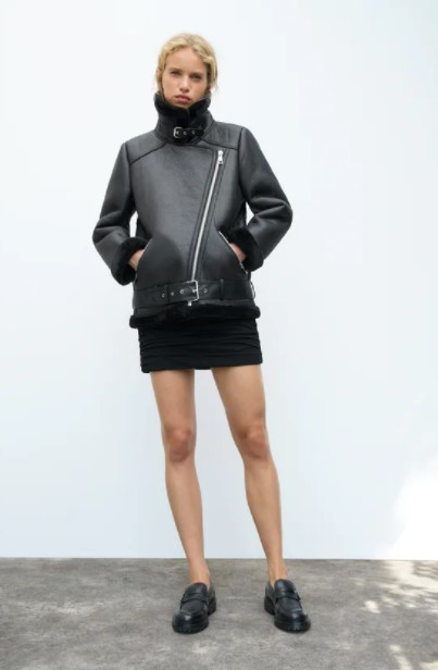 μαύρο μπουφάν γούνινο
