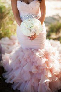 ροζ νυφικο με φραμπαλα γοργονε