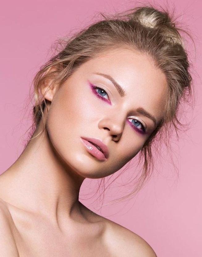 ροζ μολύβι ματιών