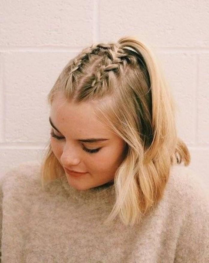 χτένισμα για κοντά μαλλιά